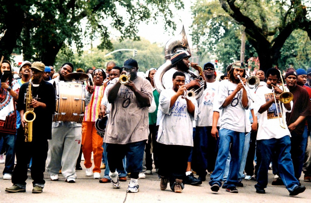 hot8brassband_hr